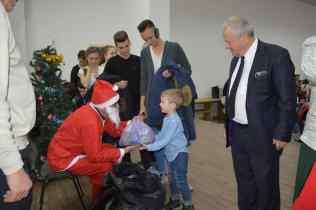 Primul Moș Crăciun, asistat de primarul Ion Samoilă