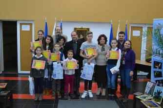 La Centrul Cultural, copii iconari, organizatori și parteneri