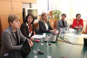 Crenguța Bărbosu, manager de proiect, Daniela Farcaș, moderatorul mesei rotunde, Cristina Ghiță, inspector general adj. al ISJ Ilfov, și prof. Veronica Belous, inginer zootehnist
