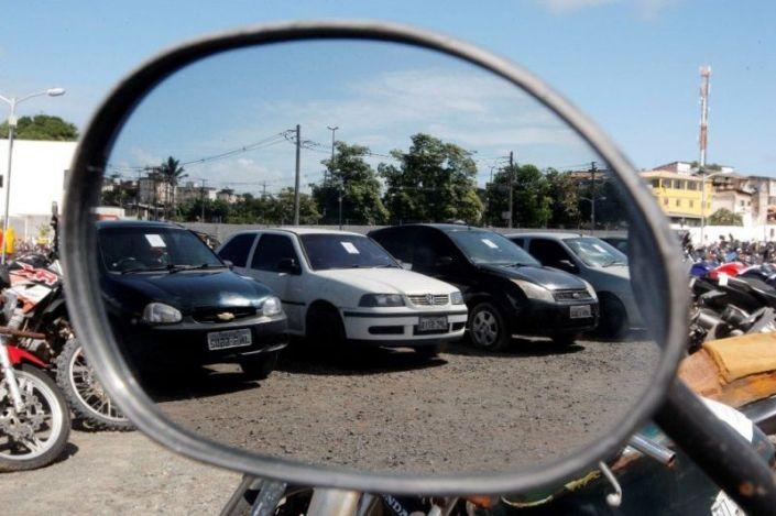Resultado de imagem para leilão carros