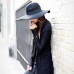 【帽子にファンデーションが…泣】ファンデの取り方と3つの汚れ防止方法