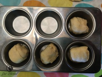 Resurrection rolls - place in muffin tin 2