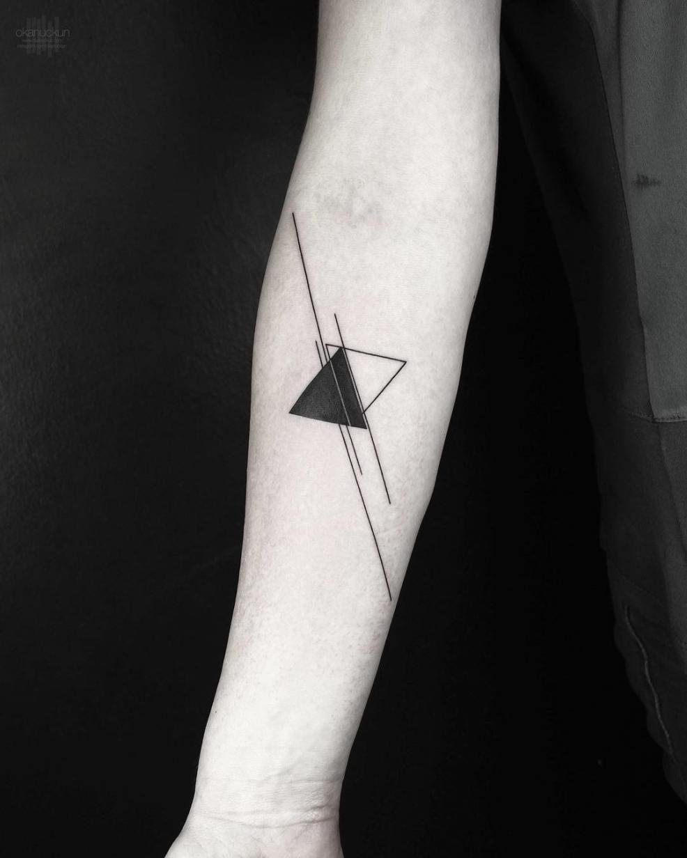 стильные геометрические татуировки от турецкого мастера