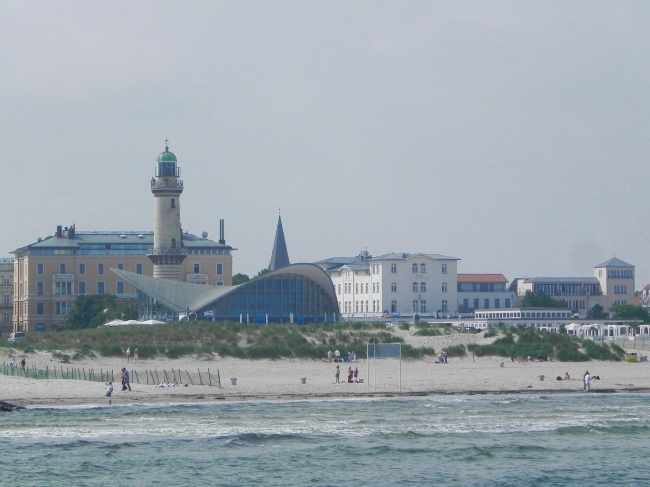 Warnmünde Ostsee Urlaubstipps Teepott Leuchtturm
