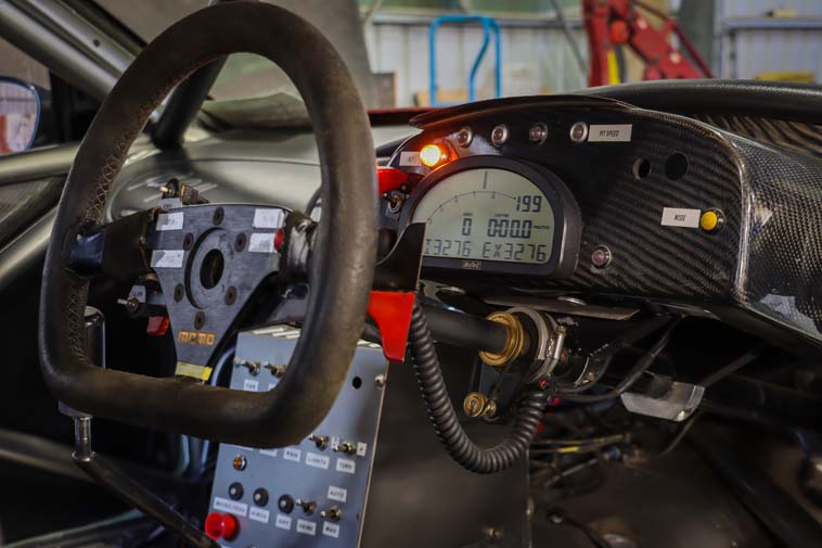 Perkins / Ingall Holden Commodore VT V8 Supercar up for auction with MECCANISTA