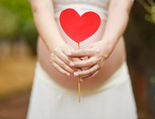 amare se stesse anche in gravidanza. Si all' olio di mandorle dolci