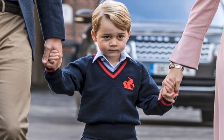 Il piccolo George e l'ingesso a scuola