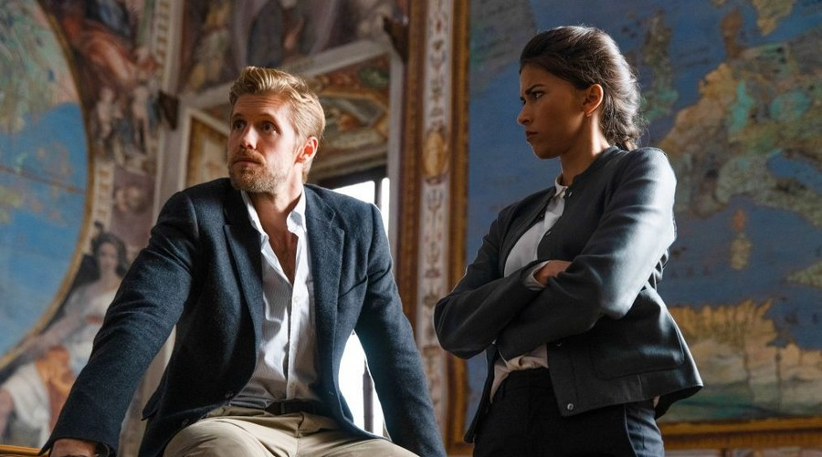 Blood & Treasure renouvelée pour une saison 2 sur CBS
