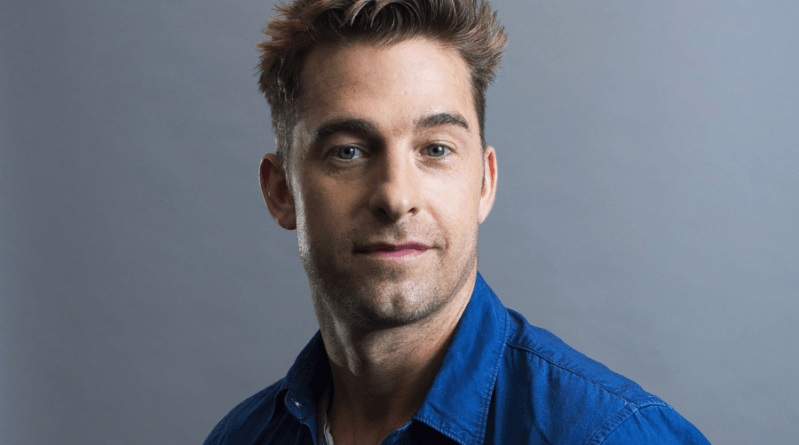 YOU : Scott Speedman rejoint la saison 3 !