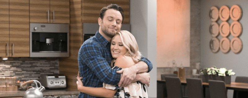 Josh et Gaby dans Young and Hungry