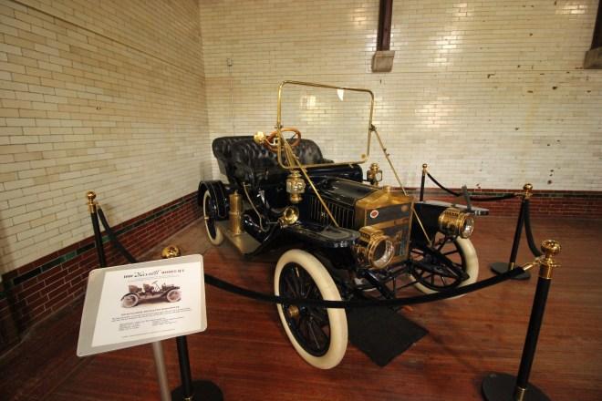 1910 Maxwell Model Q2