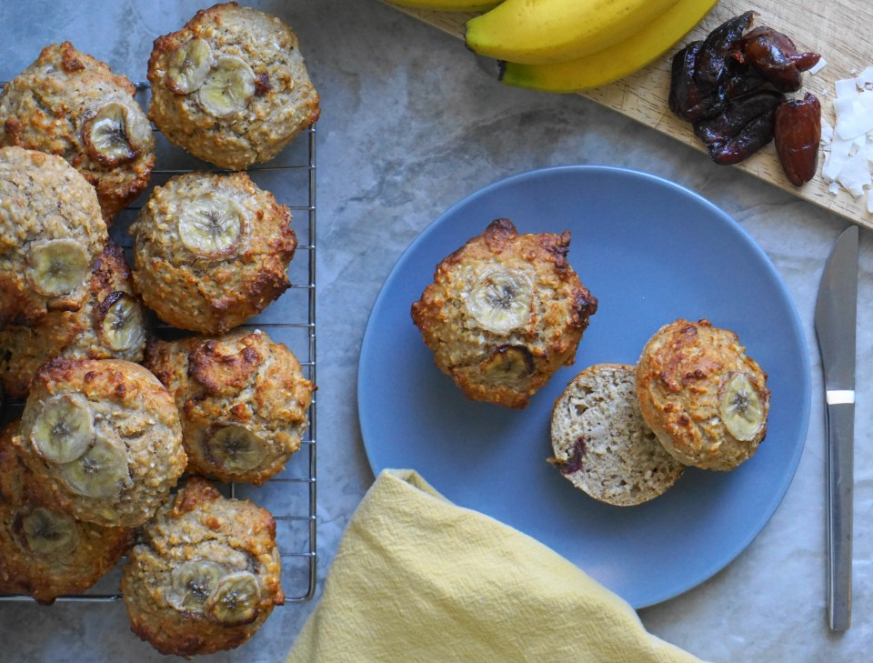Banana date coconut muffins 1