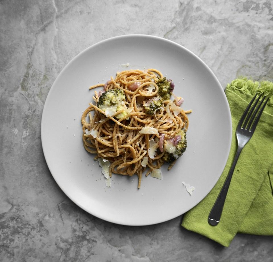 Spaghetti with broccoli and lemon 2