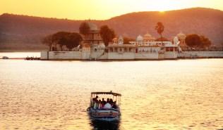 Boat-Ride-to-Jag-Mandir-Palace