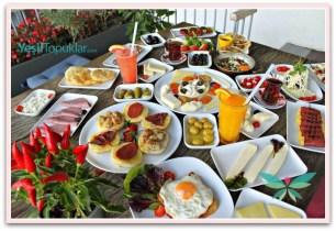 Alkolsüz-Kahvaltı-Mekanları-Lokma-Cafe-RumeliHisarı