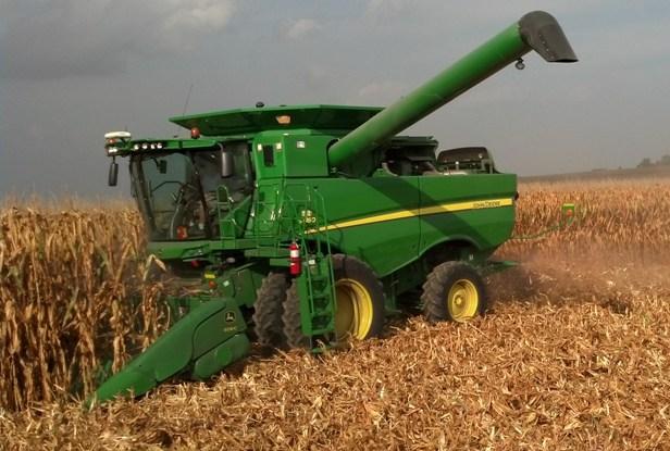 Combining Corn 2013