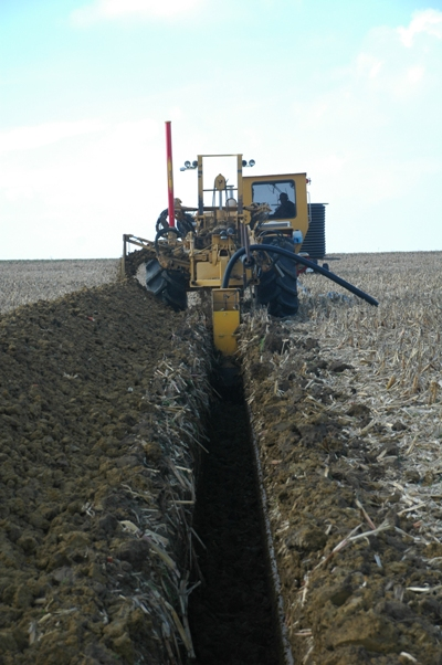 Williamson Drainage installing tile