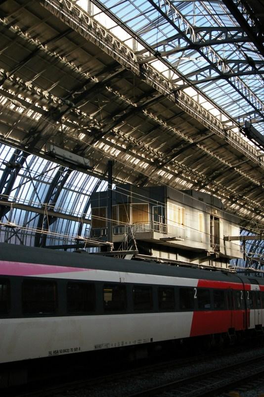 05. Amsterdam Central Track 10-11