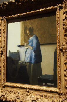 Vermeer could paint light amazingly accurate...