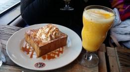 Caramel toast and a mango smoothie