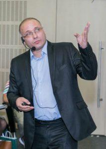 Д-р Стоян Везенков