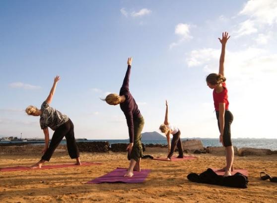 azulfit_corralejo_yoga_dropin