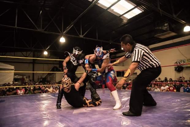 mexican wrestlers lucha libre oaxaca