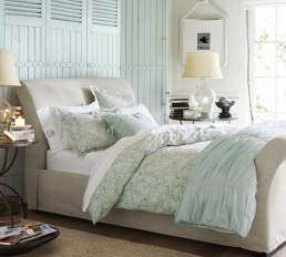 Rustique and relaxed layered bedding