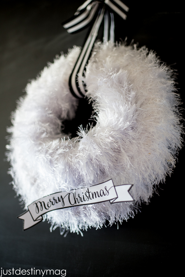 Black and White Christmas Wreath-2