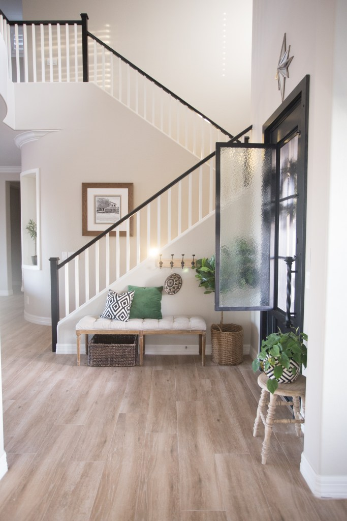 the-best-way-to-paint-your-stairs-black_-20