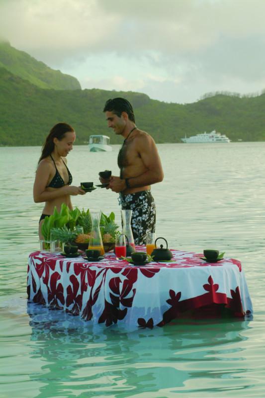 Bora Bora dinner in the water