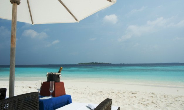 Castaway Escapes On the Island of Govvafushi
