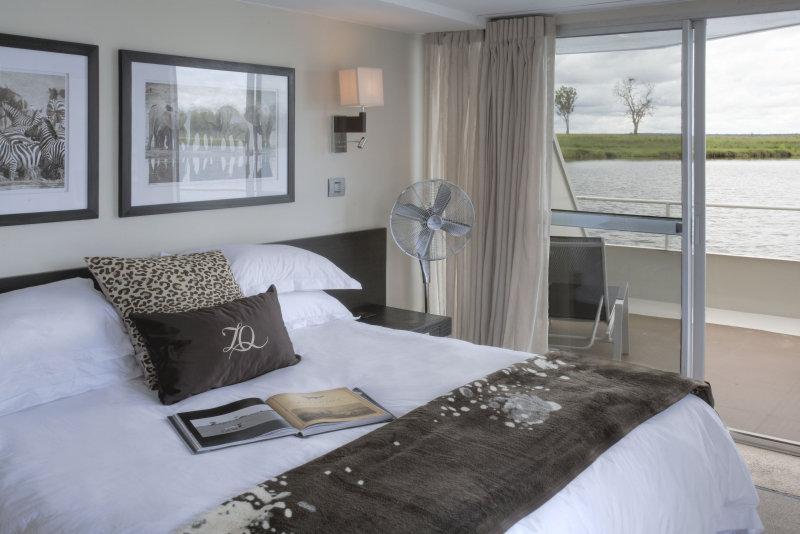 luxury-african-river-safari-inside-room