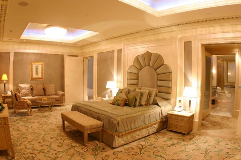 Print_Royal-Khaleej-Suite-Bedroom