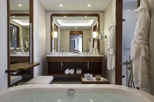 Regent Porto Montenegro Bathroom