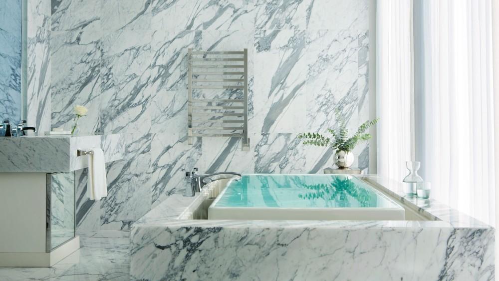 Langham Chicago-tlchi-rooms-infinity-suite-master-bathroom-1680-945