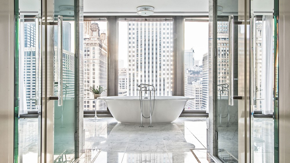 Langham Chicago-tlchi-rooms-regent-suite-at-regent-masterbath--1680-945
