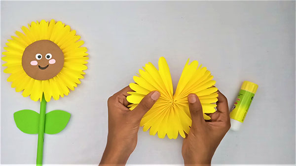 How To Make Paper Sunflower