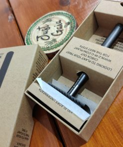 Gun Metal men's safety razor kit in box