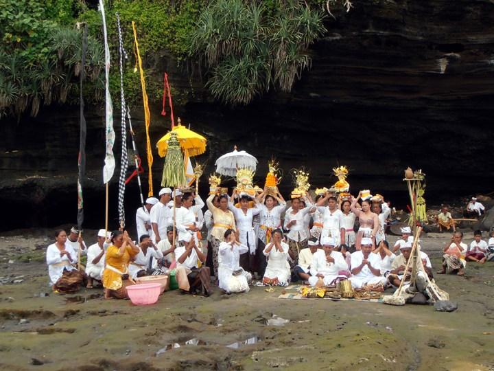 Tanah lot Bali ceremonie