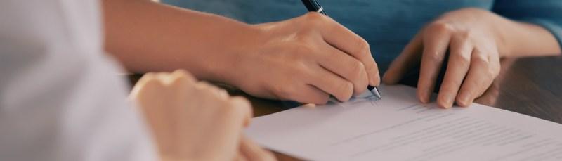 Firma de contrato de Honorarios Profesionales