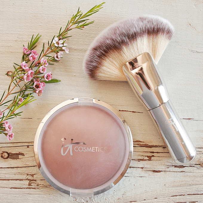Best in Beauty | April 2015 | IT Cosmetics CC+ Anti-Aging Ombre Radiance Bronzer with Luxe Mega Fan Brush // JustineCelina.com