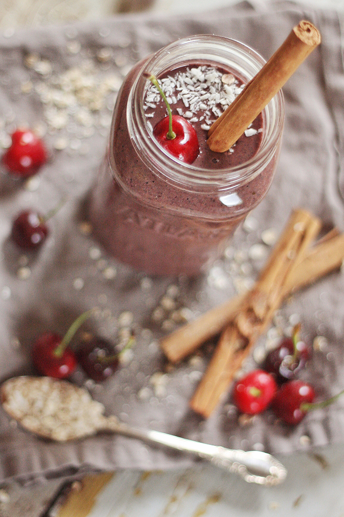 Cherry Crumble Smoothie // JustineCelina.com