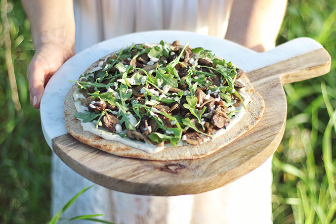 Al Fresco Summer Dining Inspiration | Vegan White Mushroom Pizzas on the Grill // JustineCelina.co,