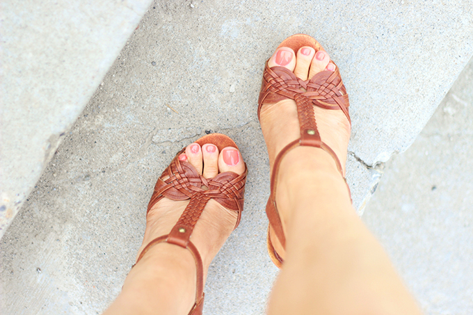 Shoes of Summer + End of Season Sales | That 70's Shoe // JustineCelina.com