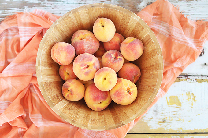 Fresh Okanagan Peaches // JustineCelina.com