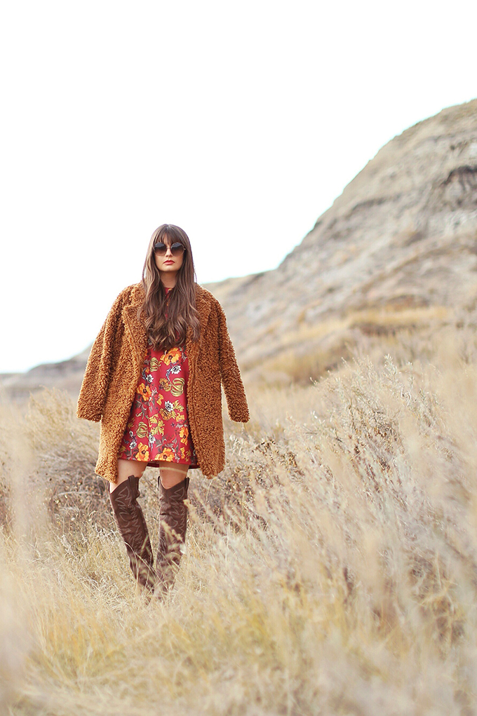 Autumn 2017 Trend Guide | That 70's Style | Alberta Travel Fashion Blogger, Star Mine Suspension Bridge | Drumheller, Alberta | Alberta Badlands // JustineCelina.com