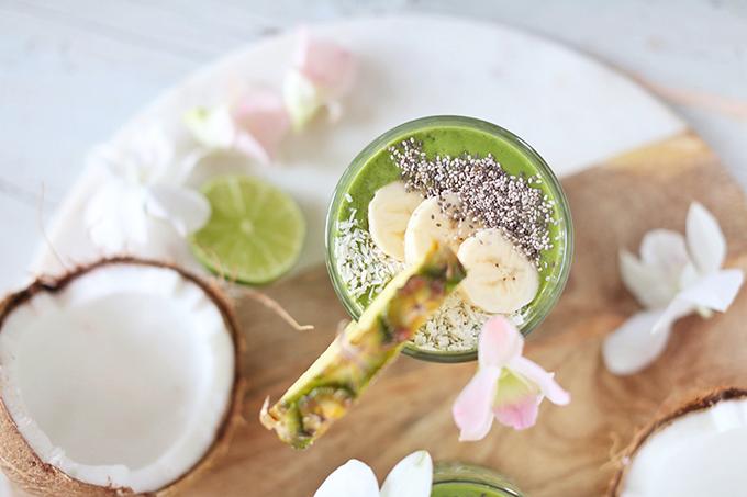 Tropical Zinger Green Smoothie   #dairyfree #glutenfree #refinedsugarfree // JustineCelina.com
