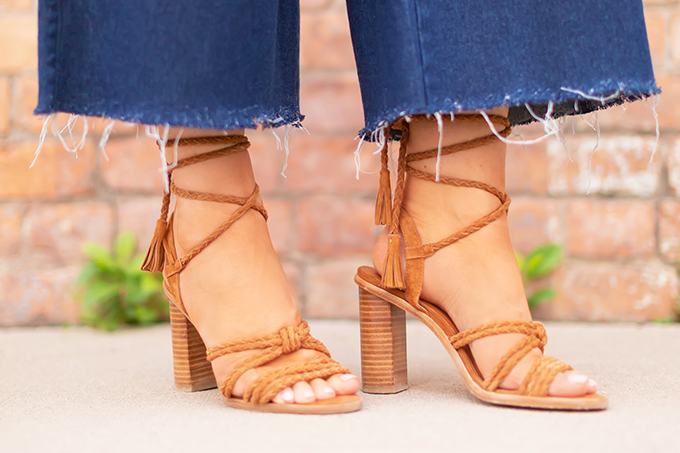 Transitional Shoe Guide | Summer to Autumn 2018 // The Best Shoes to Transition from Summer into Fall | Top Shoe Trends 2018 | Joie Banji Sandals in Whiskey Suede | Marshalls Canada // JustineCelina.com