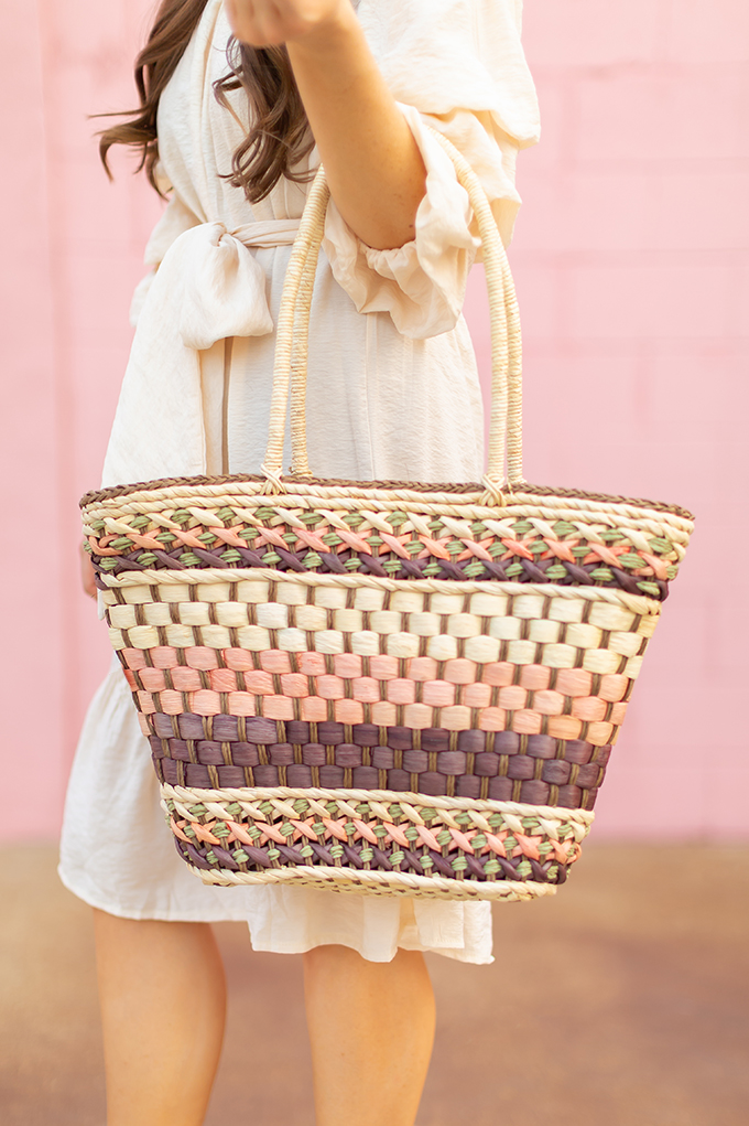 The Accessory Edit | Natural Material Bags | Vintage Straw Tote | How to Style Vintage Straw Bags | The Best Straw Bags 2018 // JustineCelina.com